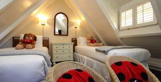 Lamp Lighter Inn And Sunset Suites - כרמל ביי דה סי - נוחות החדר