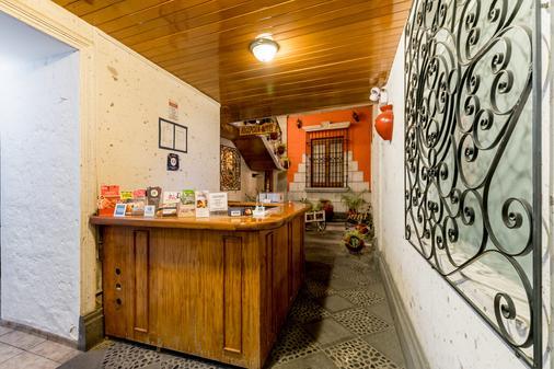 Hostal Villa Sillar - Arequipa - Front desk