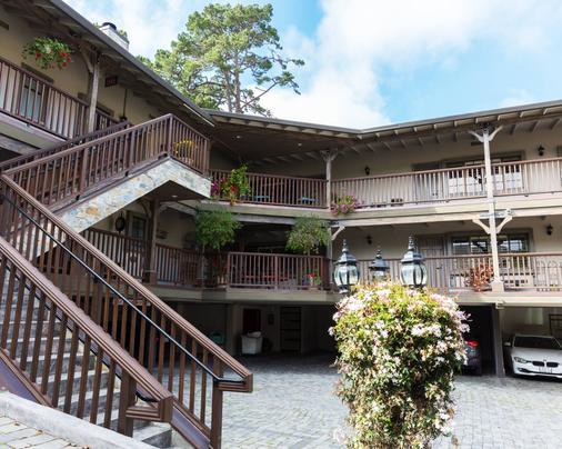 Coachman's Inn, A Four Sisters Inn - Carmel-by-the-Sea - Building