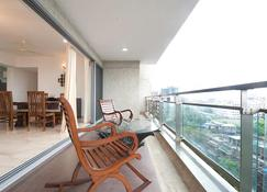 Isec Apartment - Bombay - Balkon