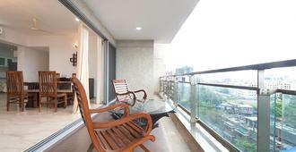 Isec Apartment - מומבאי - מרפסת
