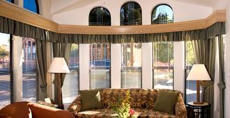 Sedona Pines Resort - Sedona - Phòng khách