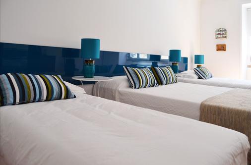 71 Castilho Guest House - Lisbon - Bedroom