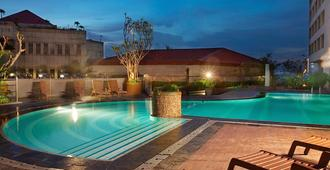 Hotel Bidakara Grand Pancoran Jakarta - South Jakarta - Piscina