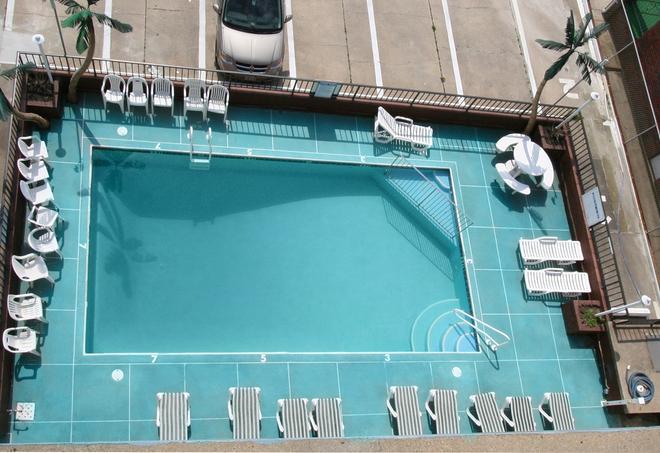 Newport Beach Resort - Wildwood - Pool