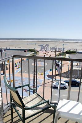 Newport Beach Resort - Wildwood - Balcony