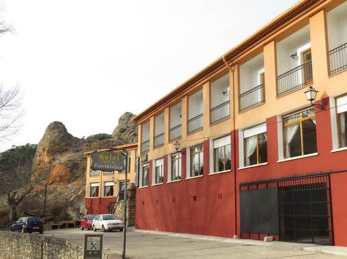 Hotel La Casa Grande Fuertescusa - Fuertescusa - Building