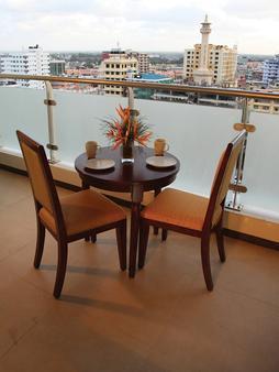 Tanzanite Executive Suites - Dar es Salaam - Parveke