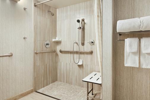 Embassy Suites by Hilton San Luis Obispo - San Luis Obispo - Bathroom