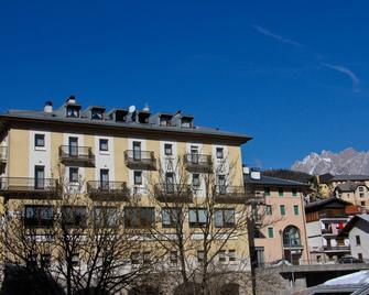 Hotel Belvedere - Pieve di Cadore - Building