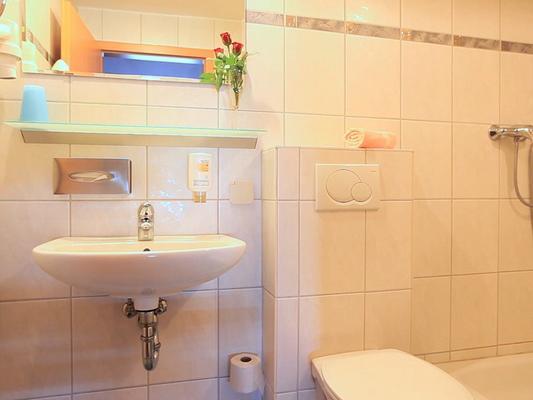 Adesso Hotel - Kassel - Kylpyhuone
