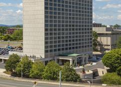 Red Lion Hotel Hartford - Hartford - Building