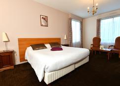 Hôtel Restaurant De La Marine - Saint-Herblain - Bedroom