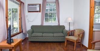 Long Acres Motel & Cottages - Ocean City - Living room
