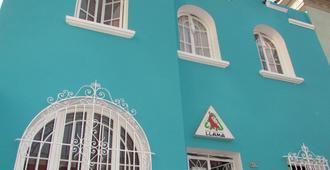 Red Llama Eco Hostel - Lima - Edificio