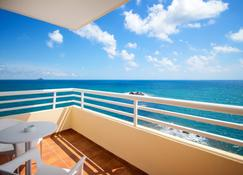 Hotel Servigroup Galúa - La Manga del Mar Menor - Schlafzimmer