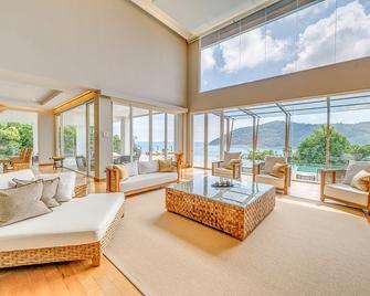 The Taaras Beach & Spa Resort - Redang Island - Living room