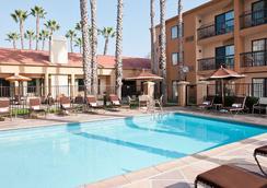 Courtyard by Marriott Huntington Beach Fountain Valley - Fountain Valley - Piscina