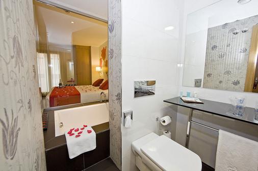 Ele Enara Boutique Hotel - Valladolid - Bathroom