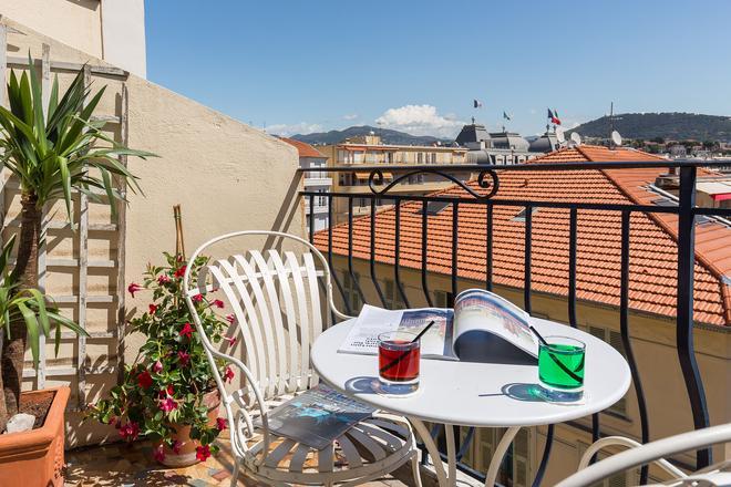 Hotel Le Grimaldi by Happyculture - Nizza - Balcone