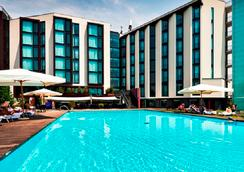 Hilton Garden Inn Venice Mestre San Giuliano - Venice - Pool