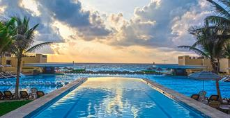 The Royal Sands - Κανκούν - Πισίνα