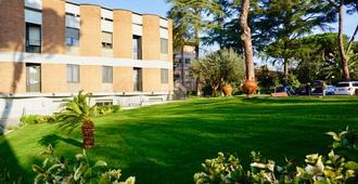 Kolping Hotel Casa Domitilla - Roma - Edifício