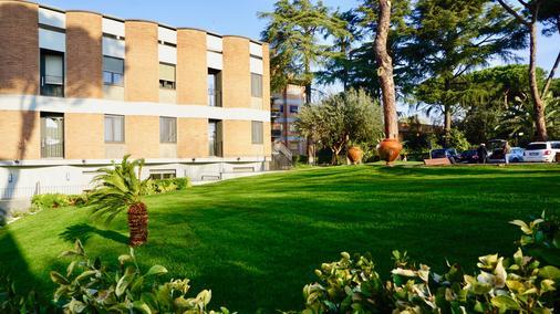 Kolping Hotel Casa Domitilla - Rome - Building