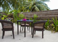 Fanhaa Maldives - Hanimaadhoo - Patio