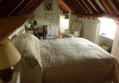 St Benedict's Byre - Bexhill-on-Sea - Bedroom