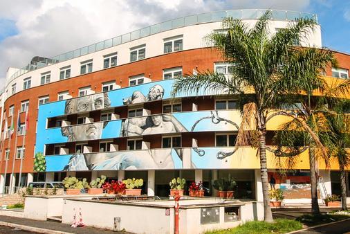 Hotel Capannelle - Roma - Edificio