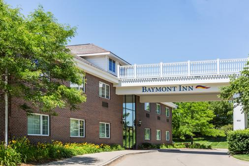 Baymont by Wyndham Des Moines Airport - Des Moines - Building