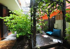 Focal Local Bed and Breakfast - Bangkok - Outdoors view