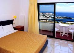 Pela Mare Hotel - Агия-Пелагия - Спальня
