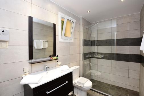 佩拉梅爾酒店 - Malevizi (美維茲) - 阿齊亞佩拉加 - 浴室
