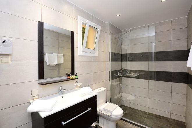 Pela Mare Hotel - Agia Pelagia - Kylpyhuone