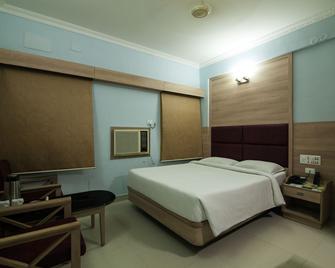 Sree Bharani Hotels - Tirunelveli - Slaapkamer