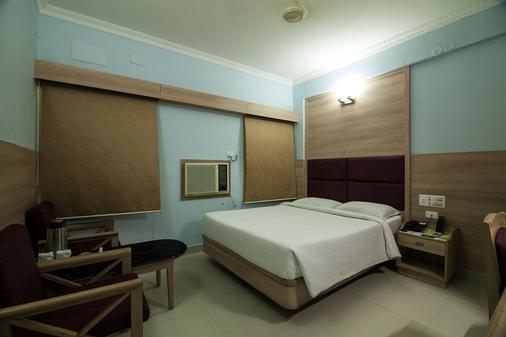 Sree Bharani Hotels - Tirunelveli - Bedroom