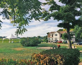 河灣葡萄園酒店 - 湖畔尼加拉 - 湖上尼亞加拉 - 室外景