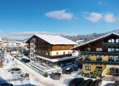 B&B Hotel Die Bergquelle - Flachau - Rakennus