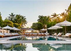 Nautilus by Arlo - Miami Beach - Pool