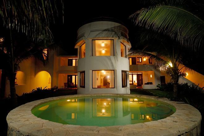 金索太陽馬洛瑪海灘酒店 - 卡曼海灘 - 普拉亞卡門 - 游泳池