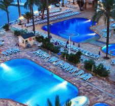 賽倫尼斯特雷斯卡拉貝拉斯 SPA 飯店