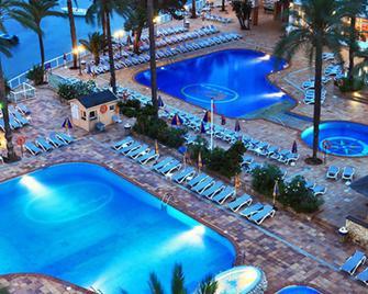 Sirenis Hotel Tres Carabelas & Spa - Ibiza - Pool