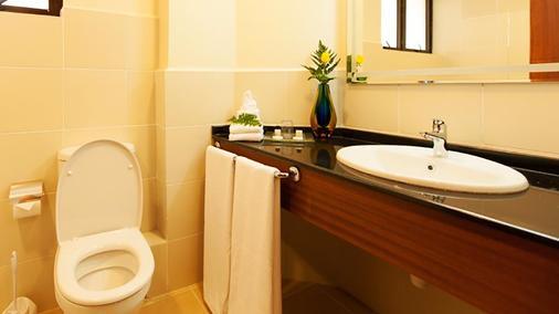 Waridi Paradise Hotel & Suites - Nairobi - Bathroom