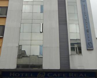 Hotel Cafe Real - Armenia - Building