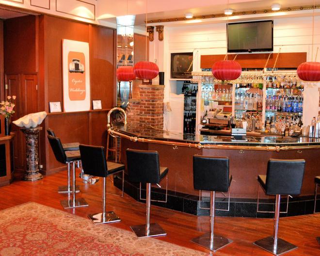 貝斯特韋斯特澤內提酒店及會議中心 - 威克斯-巴列 - 威爾克斯-貝爾 - 酒吧