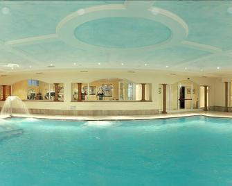 Grand Hotel Liberty - Riva del Garda - Bể bơi