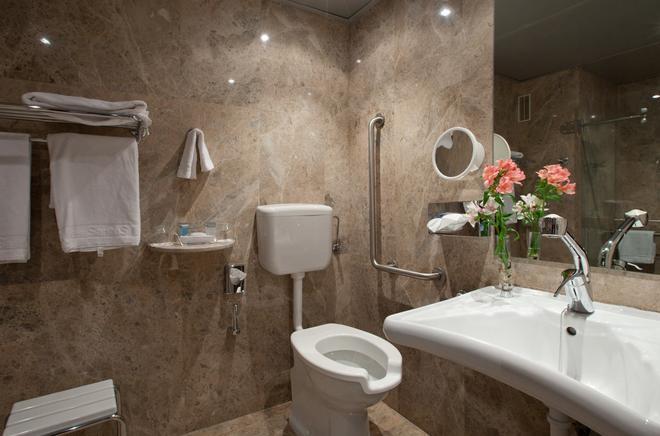 桑特瑪爾酒店 - 聖塔坦德 - 桑坦德 - 浴室