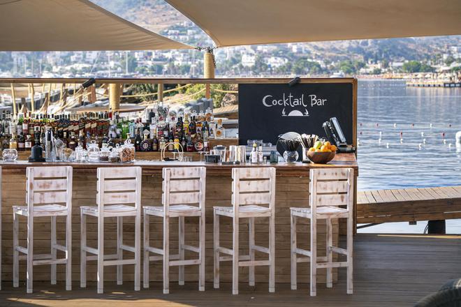 Cape Bodrum Beach Resort - Gündoğan - Bar
